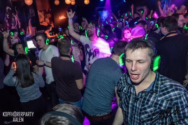 Kopfhörerparty Aalen, Silent Disco Aalen, Kopfhörerparty, Silent Party, kopfhörer party, silent events, Silent Disco, neon lights
