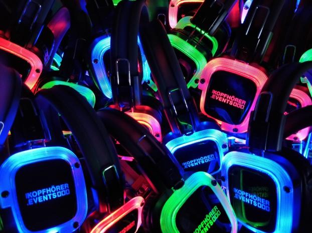 Silent Disco, Silent Party, Kopfhörer Party, Silent Events, Kopfhörer Events, Silent Disco Equipment, Silent Disco mieten, Silent Disco kaufen, Silent Party Kopfhörer, Beatfoxx